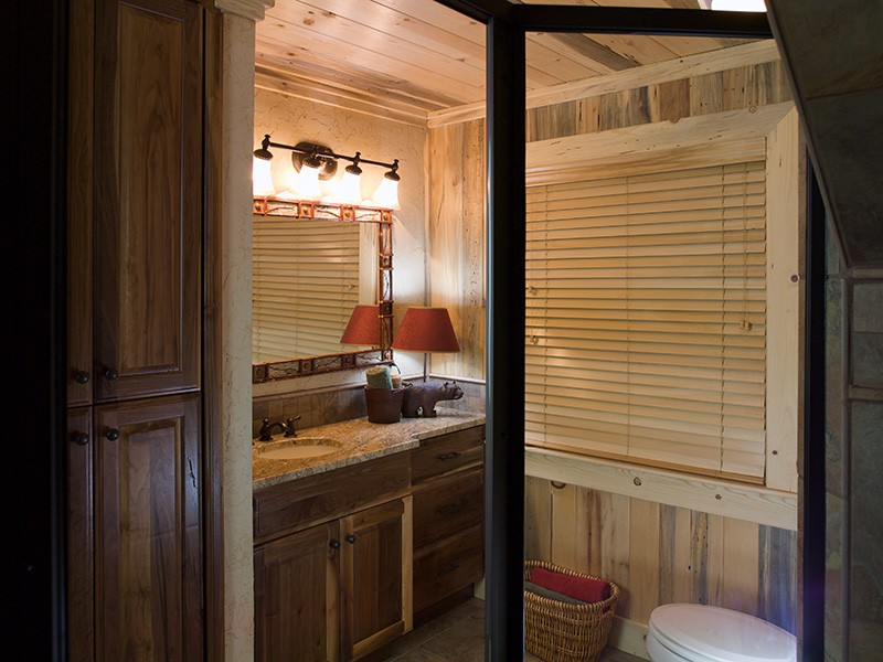 Mountain Laurel Loft Bathroom